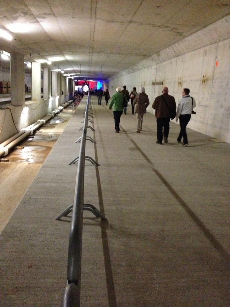 Een wandeling onder het IJ 2 juni  aansluitend op de dag van de bouw 2013